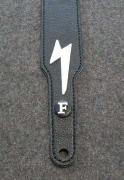画像4: キース・リチャーズ ボルトマーク付き黒色レザータイプ ギターストラップ(Keith Richards Style black leather GuitarStrap with Volt Mark)